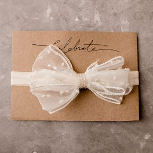 white sheer bow cake smash brisbane